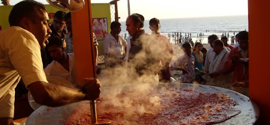 Famous delicious street food at the magical city Mumbai | Tourism Guide & Travel News