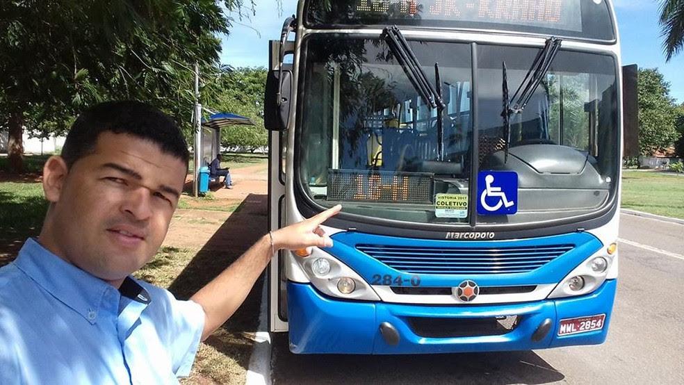 Jhony Cleiton está há pouco mais de um ano trabalhando no transporte coletivo de Palmas (Foto: Arquivo Pessoal)