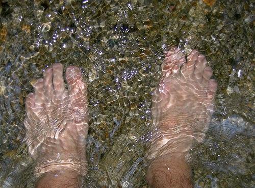 pés_água cold