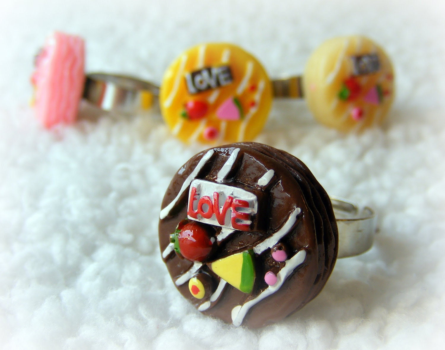 Ring Dessert Love (your choice of flavor/color)