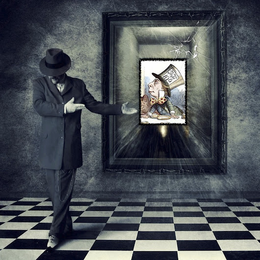 Breaking the Looking Glass... Art in real time...