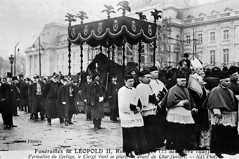 File:Solemn Funeral of the King.jpg