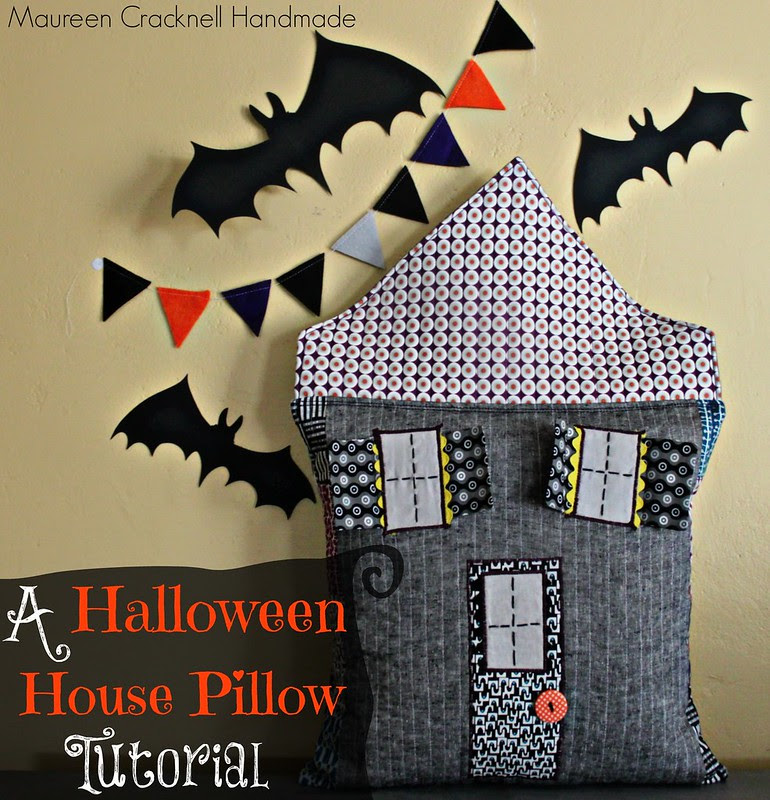 A Halloween House Pillow Tutorial