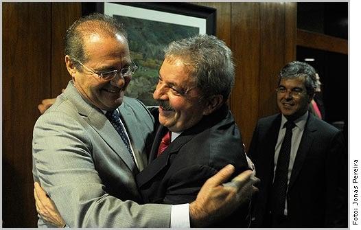 Renan quer se abraçar com Lula
