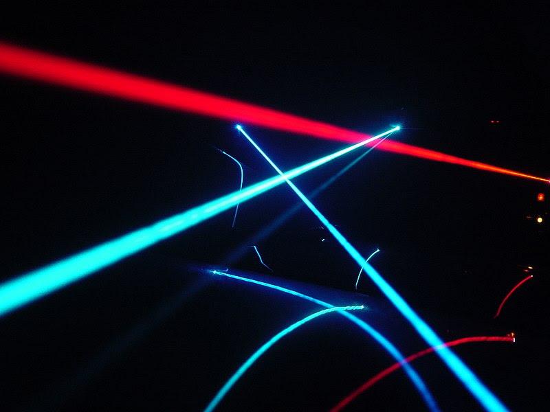 File:Laser play.jpg