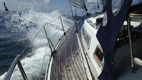 Introduction to offshore sailing
