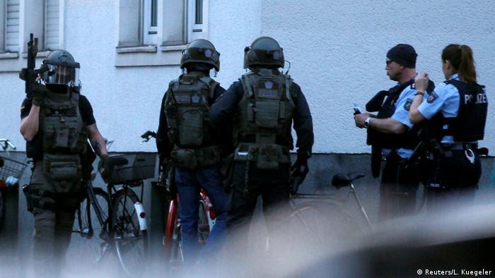 Deutschland Täter von Münster ist Deutscher - kein Hinweis auf islamistisches Motiv (Reuters/L. Kuegeler)