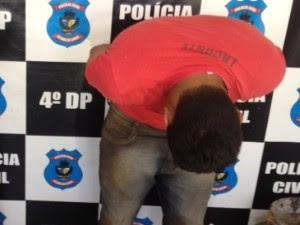 Suspeito arranca e engole pedaço da orelha de PM com mordida, em Goiás (Foto: Adriano Zago/G1)