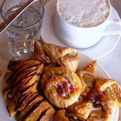 E.A.T World: Austria - Melange and Golatschen (Danish Pastries)