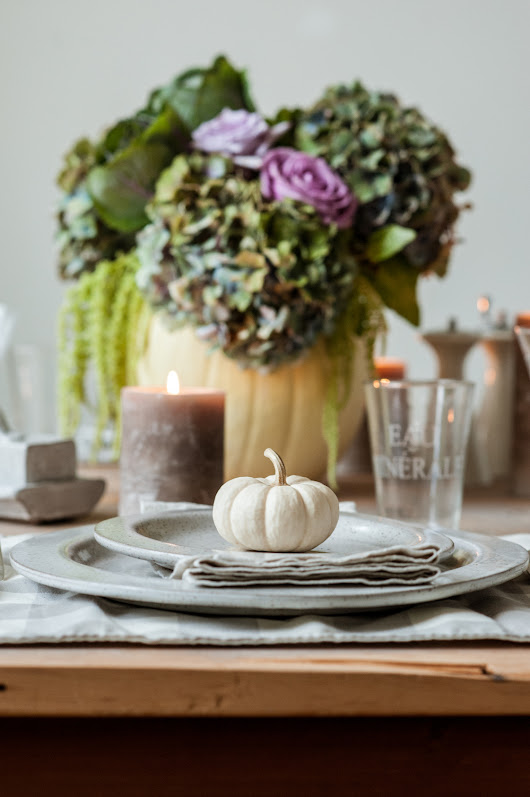 Easy Rustic Elegance Thanksgiving Table