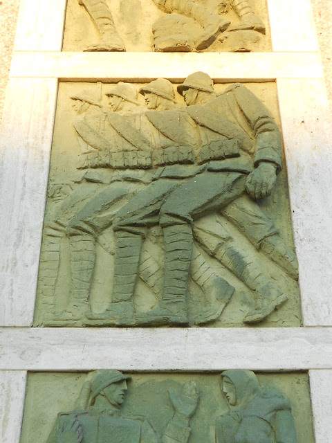 seconda formella dal basso, Monumento ai caduti, Virgilio Milani, Borsea