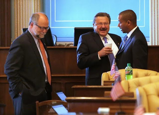 Why is Virgil Smith still in the state Senate? Is it because he's the Republicans' useful Democratic idiot?