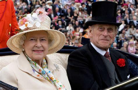 Queen Elizabeth II, Prince Philip Make History, Mark 70th