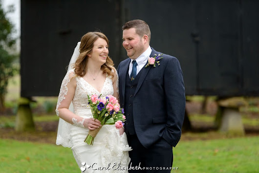 Spring wedding photography at Lains Barn in Oxfordshire