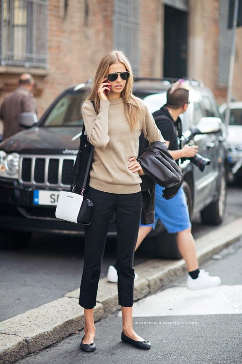 Stylish Neutral Outfit of camel sweater and black capris | Friday Favorites at www.andersonandgrant.com