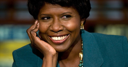 Gwen Ifill, Award-Winning Political Reporter and Author, Dies at 61