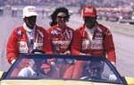 1986: a única vitória de Bobby Rahal foi emocionante. O proprietário da equipe, Jim Truman, foi diagnosticado com câncer. Depois de ultrapassar Kevin Cogan na penúltima volta e conquistar a vitória, Rahal compartilhou com Truman o momento do banho de leite.