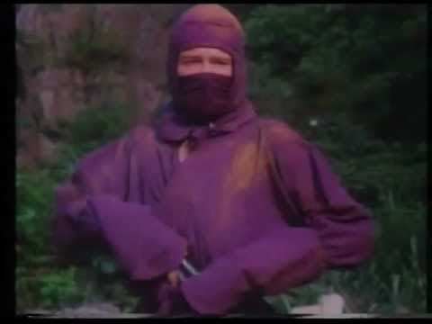 video que muestra una review de una pelicula de ninjas