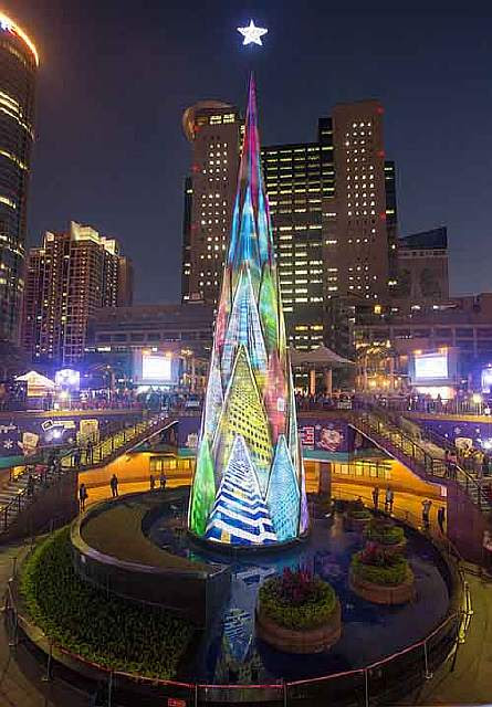 11-most-spectacular-christmas-trees-in-the-world-artnaz-com-7