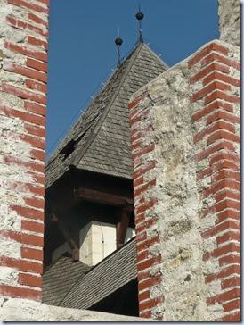 streha na obnovljenem stolpu
