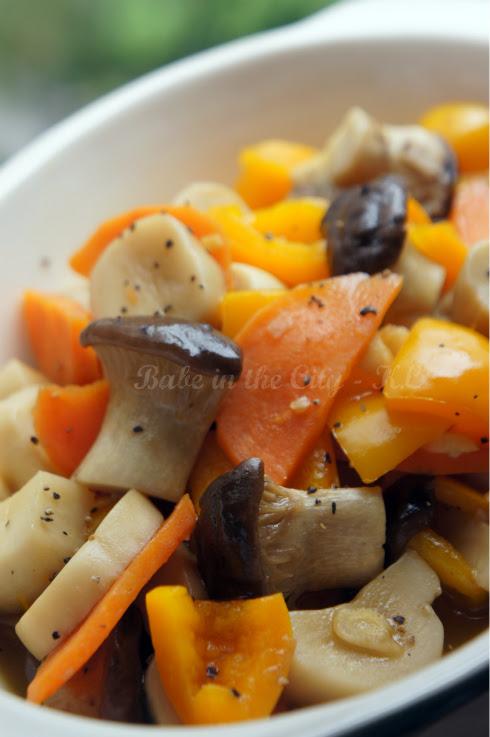 Mushroom, carrot & capsicum stir fry