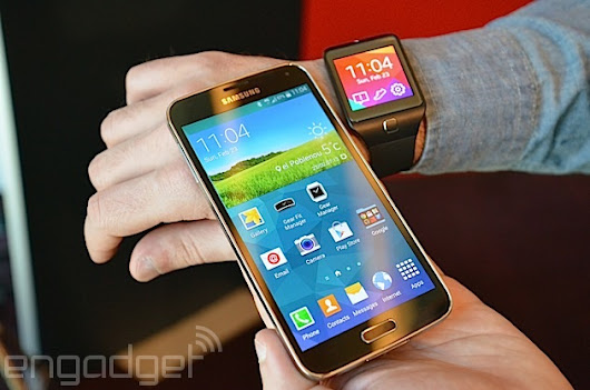​Galaxy S5 hits stores early in Korea, as carriers try to dodge sales suspension