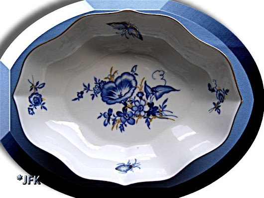 Meissen Porcelain China German Bowl Blue Flowers White Gold