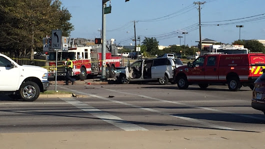 One dead in rollover accident in Round Rock