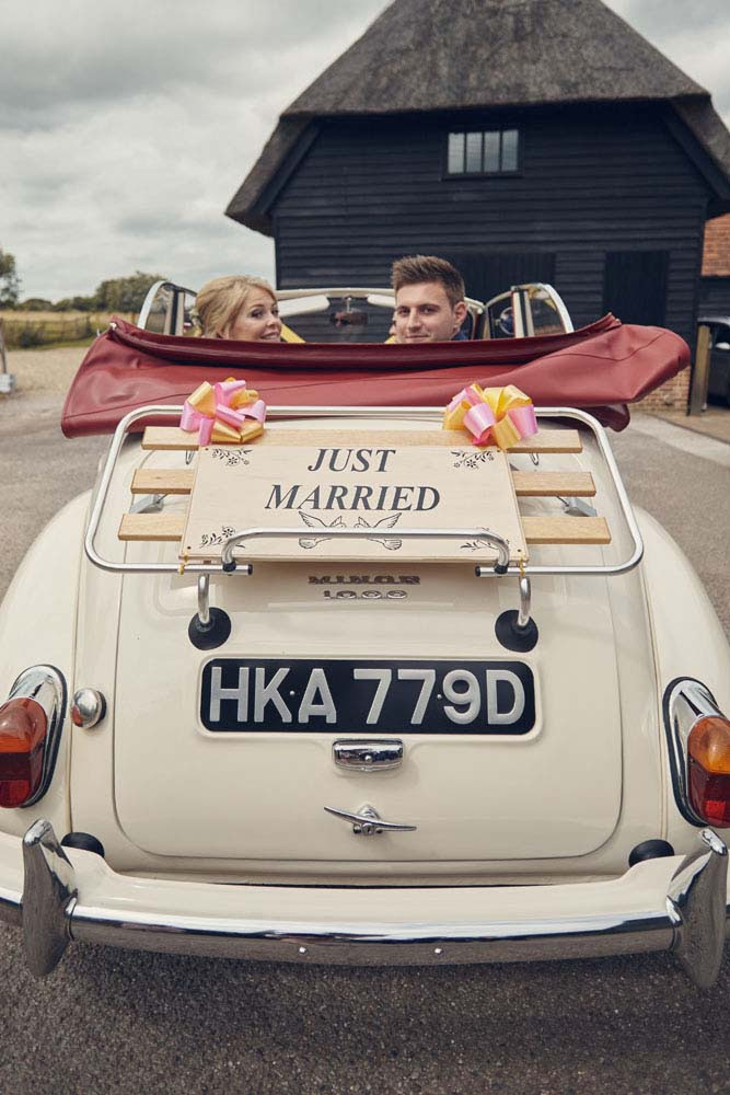 Morris Minor 1000 wedding car, Suffolk - www.helloromance.co.uk