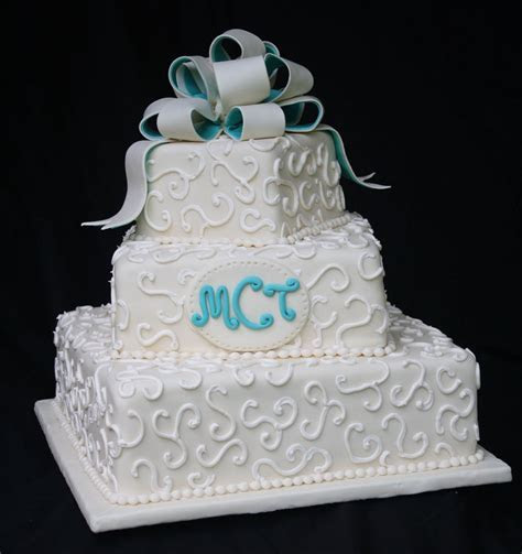 An Ivory and Teal Wedding Cake