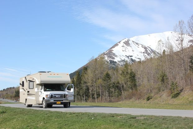 4 Maintenance Tips to Prepare Your RV for Winter Camping