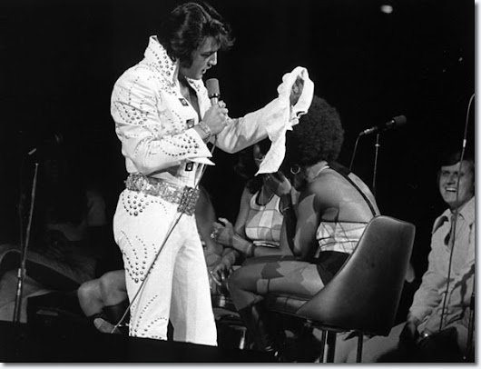Elvis Presley : Chicago Stadium : June 16, 1972 8.30 P.M.