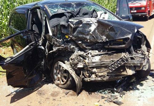 Reprodução/Blog do Jonei Farias - Um dos carros envolvidos na batida ficou completamente destruído