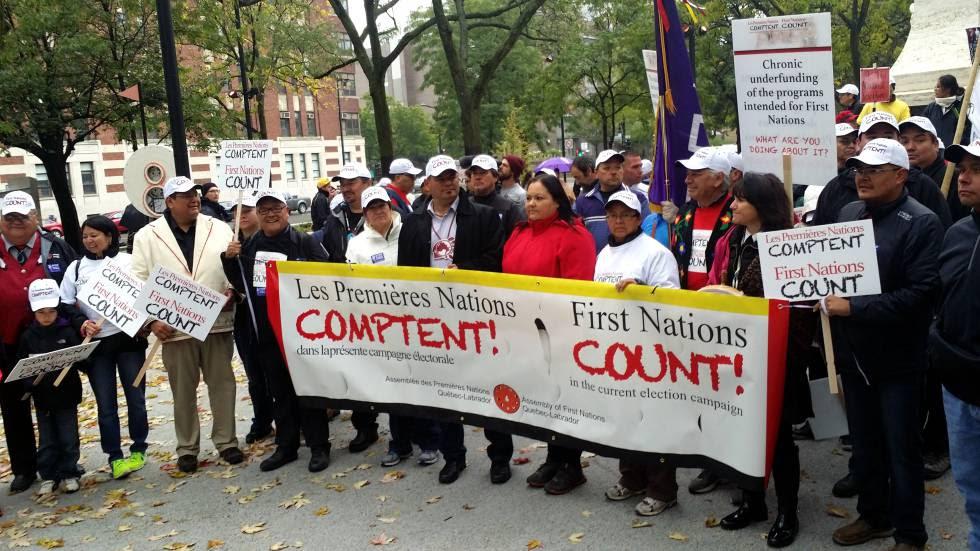 Miembros de la APNQL manifestándose durante la última campaña electoral federal.