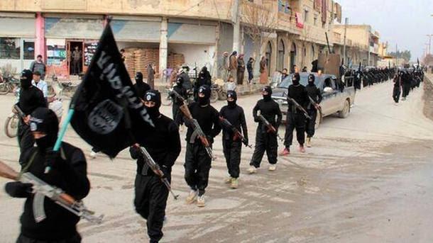 Estado Islâmico destrói novo sítio histórico e Iraque pede ajuda aos EUA