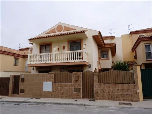 For Sale Townhouse 3 Bedrooms in Lebrija, Sevilla from Cadizcasa - Ref : 12537