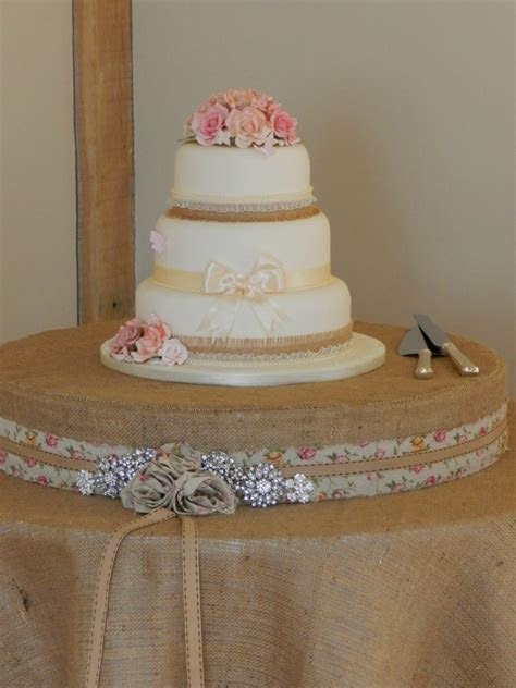 HESSIAN BURLAP CAKE TABLE   Wedding Day Hire