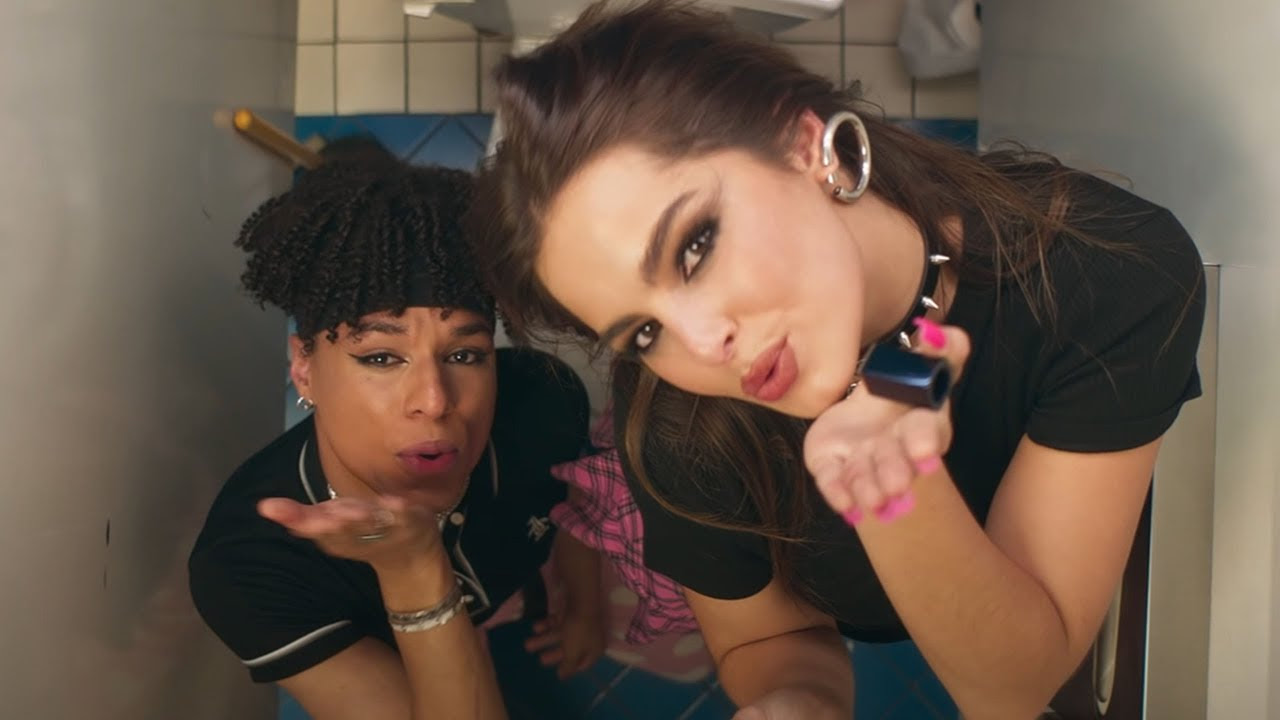 Charli D'Amelio and Hype House Stars CRASH FANS TIKTOKS *ft. Addison Rae* - Addison Rae