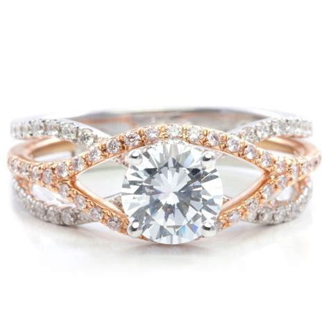 18K white rose gold engagement ring with round brilliant
