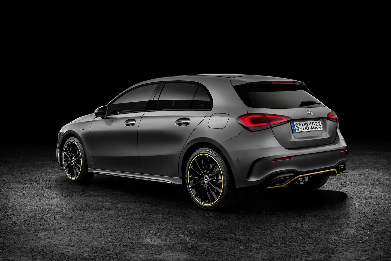 Mercedes-Benz A-Class Hatch Debuts With Upmarket Features ...