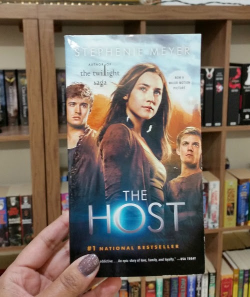 Book Review: The Host By Stephenie Meyer