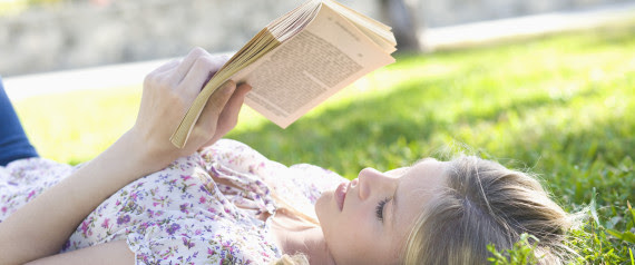 hold book read outside