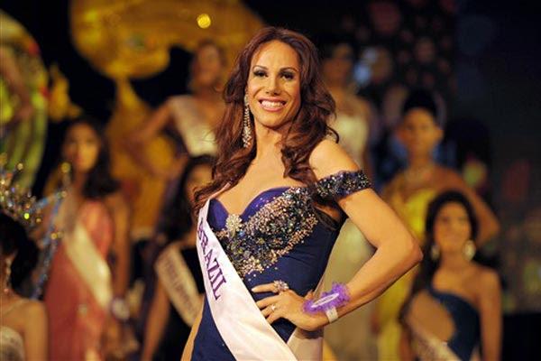 A transexual brasileira Danielle Marques ficou em                     terceiro lugar no concurso de beleza Miss Rainha                     Internacional, disputado na Tailândia (Foto:                     Christopher Archambault/AFP)
