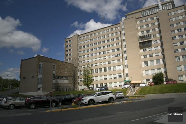 Les employés du département de psychiatrie de l'Hôtel-Dieu... (Archives, La Tribune)