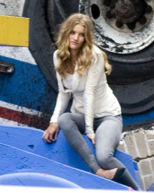 Rosie Huntington-Whiteley, who will play Carly in TRANSFORMERS 3, takes a break on set in Chicago.