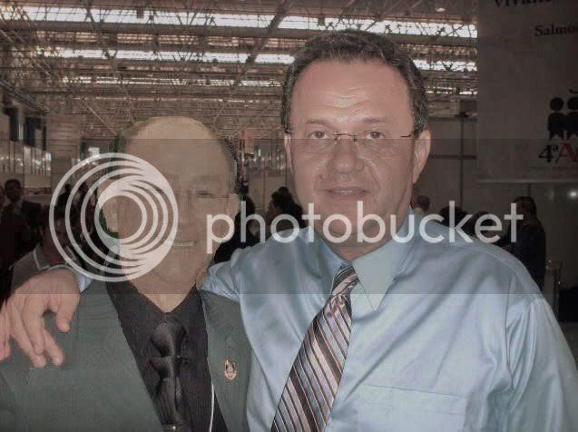Abraço digital: pastores José Wellington e Samuel Câmara.