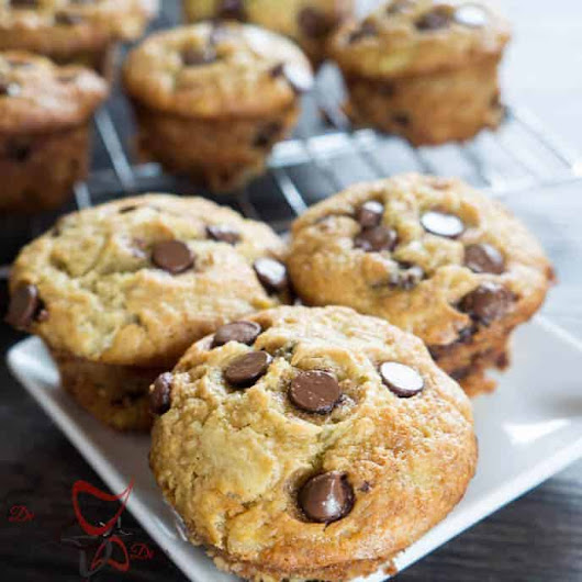 Tantalizing Tuesday - Chocolate Chip Banana Muffins! - Designed Decor