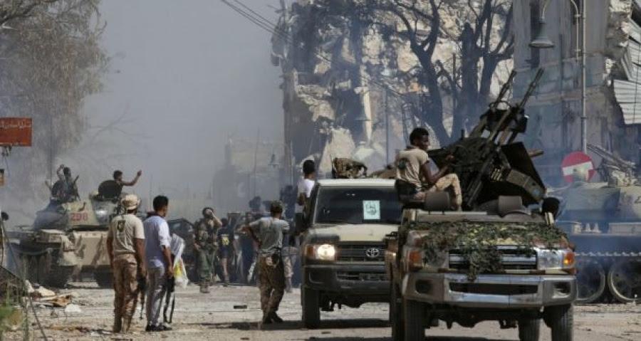Λιβύη: Χιλιάδες εγκαταλείπουν την Τρίπολη - Σφοδρές μάχες μεταξύ των δυνάμεων του Haftar και της αναγνωρισμένης κυβέρνησης