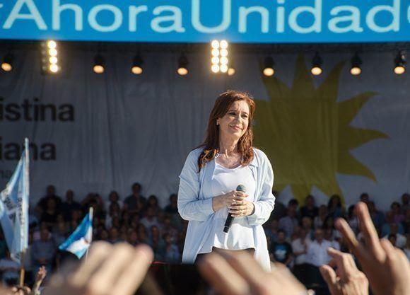 Cristina Fernández de Kirchner encabezó un virtual acto de cierre de campaña de Unidad Ciudadana. Foto: Kaloian/ Cubadebate.