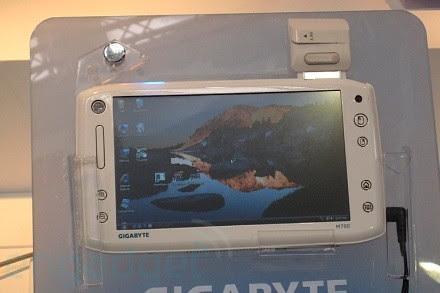 gigabyte-m700-top-1